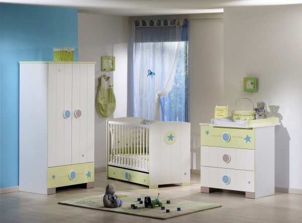 choisir emplacement chambre du b b mobilier. Black Bedroom Furniture Sets. Home Design Ideas