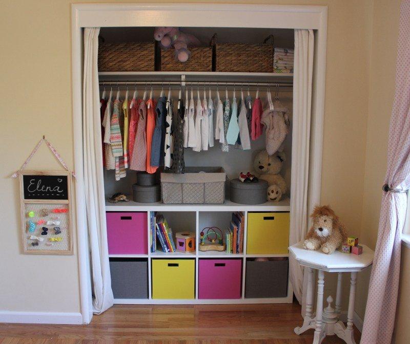 comment ranger tous les v tements de b b dans sa chambre mobilier b b. Black Bedroom Furniture Sets. Home Design Ideas